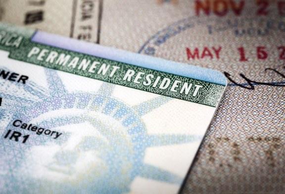 Novas diretrizes impedem que milhares de imigrantes obtenham o green card