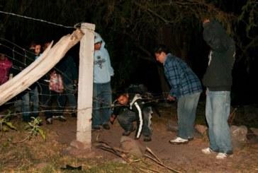 """Parque temático do México oferece """"travessia clandestina"""" na fronteira"""