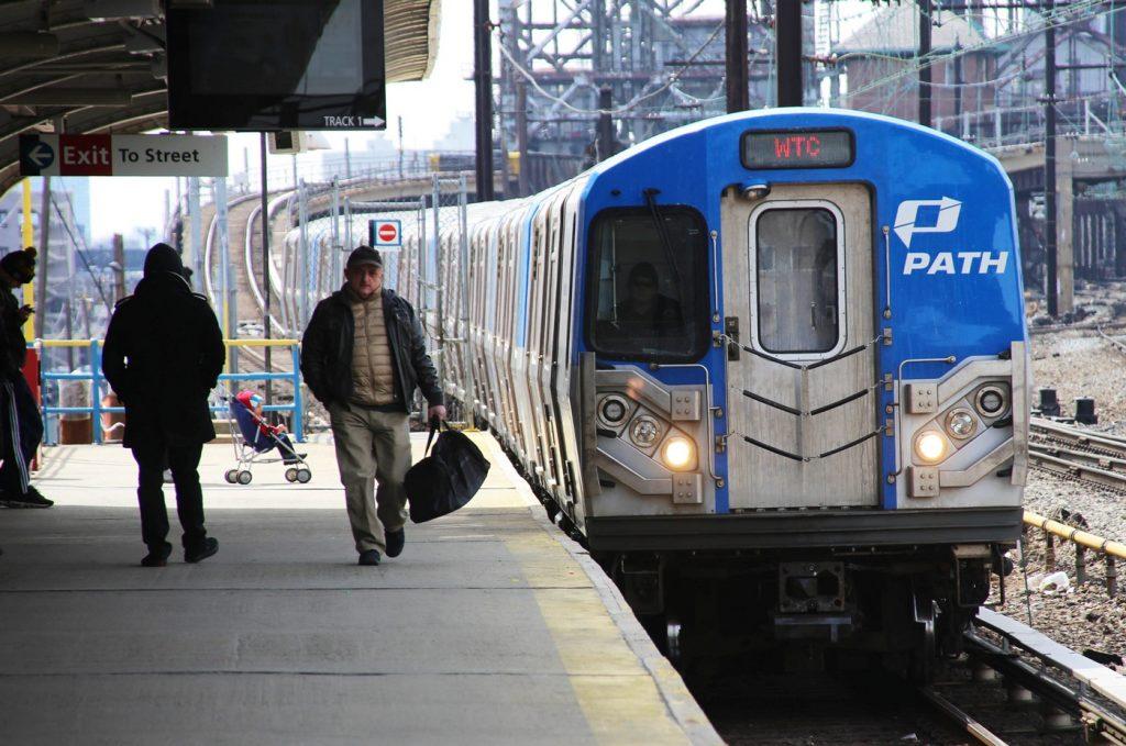Foto10 Trem PATH Linha PATH do WTC fechará nos finais de semana por 2 anos