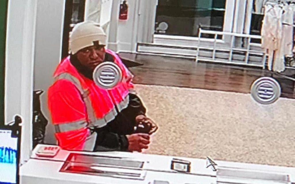 Foto17 Luis Carlos Santos Ligorio  Brasileiro que roubou loja de remessas em NJ é preso em aeroporto