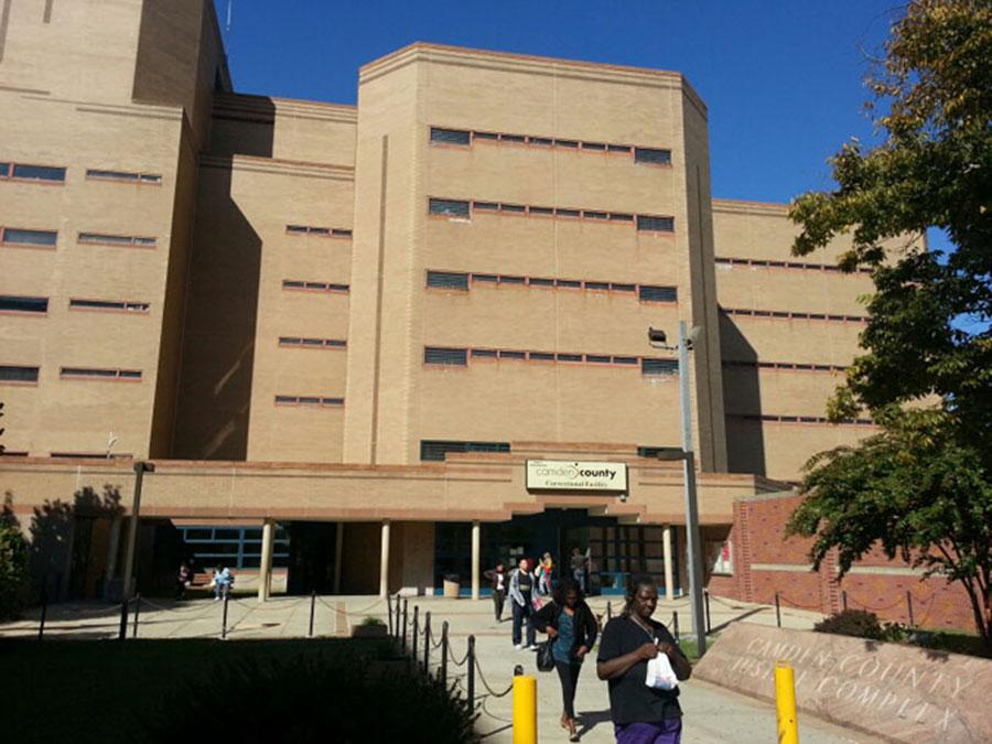 Foto17 Penitenciária do Condado de Camden  Carcereiro é acusado de traficar drogas em prisão