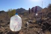 4 ativistas são presas por deixarem água para imigrantes no deserto