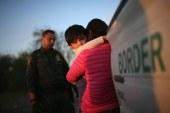 """Aumenta o desespero de imigrantes e lucro de """"coiotes"""" na fronteira"""