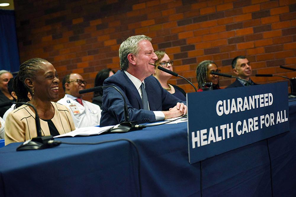 Foto3 Bill de Blasio Prefeito anuncia serviços médicos para indocumentados em NYC