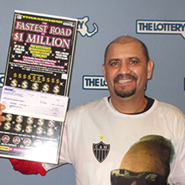 Foto4 Cleidiomar R da Silva Brasileiro ganha US$ 1 milhão em raspadinha