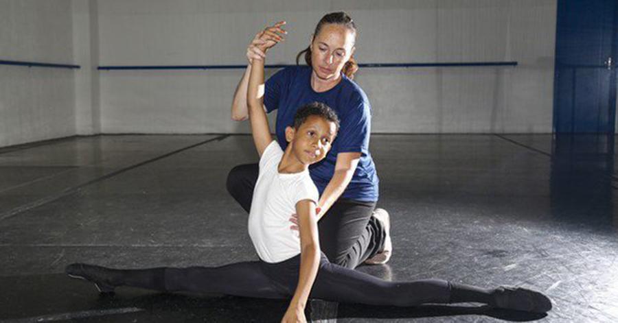 Foto2 Bernardo Regis Bailarino brasileiro ganha curso nos EUA, mas tem visto negado