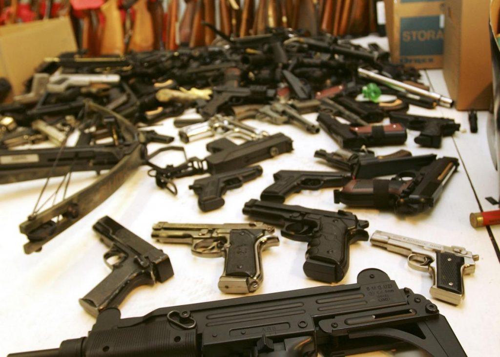 Foto8 Pistolas Aeroporto de Newark lidera confisco de armas na região