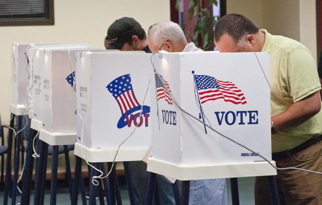 Foto14 Urnas eleitorais Câmara apoia voto de indocumentados em eleições municipais