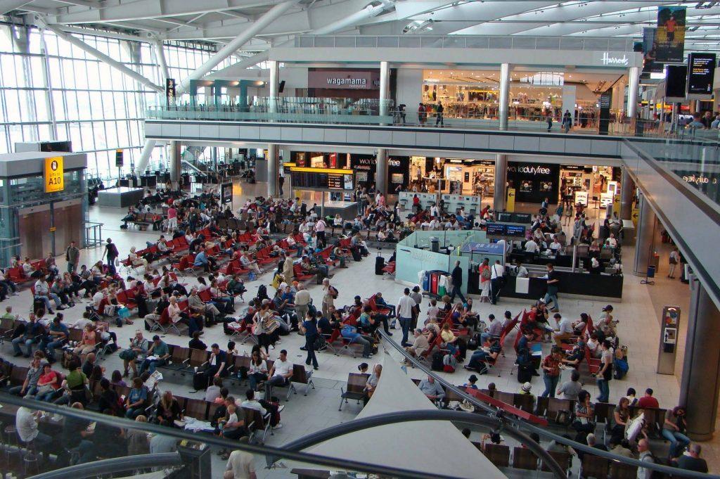 Foto19 Aeroporto Internacional de Heathrow Cidadãos dos EUA precisarão de autorização para visitar Europa