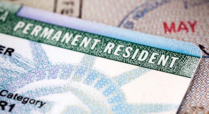 Foto24 Green Card HR 1044: Chineses e indianos teriam vantagem na fila do green card