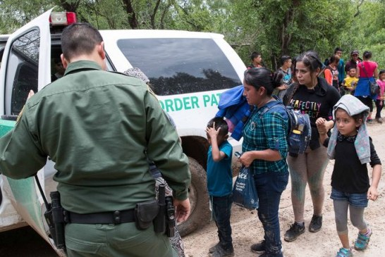 Patrulheiros liberam imigrantes detidos por falta de alojamentos