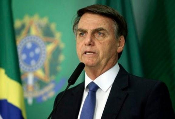 Bolsonaro assina decreto que acaba com horário de verão no Brasil