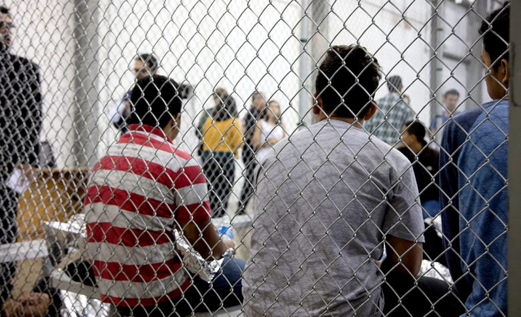 Foto18 Criancas em centros de detencao Milhares de crianças denunciaram abusos sexuais em centros do ICE