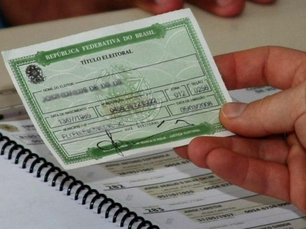 Foto18 Titulo Eleitoral Eleitores faltosos devem regularizar situação junto à Justiça Eleitoral