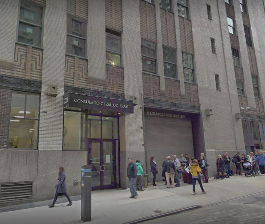 """Foto19 Consulado Geral do Brasil em NY Consulado de NY informa sobre serviço de """"achados & perdidos"""""""
