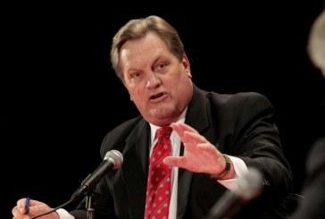 Senador quer que EUA dê green card aos imigrantes indocumentados