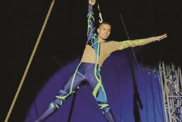 Trapezista brasileiro é atração no Universoul Circus em NJ