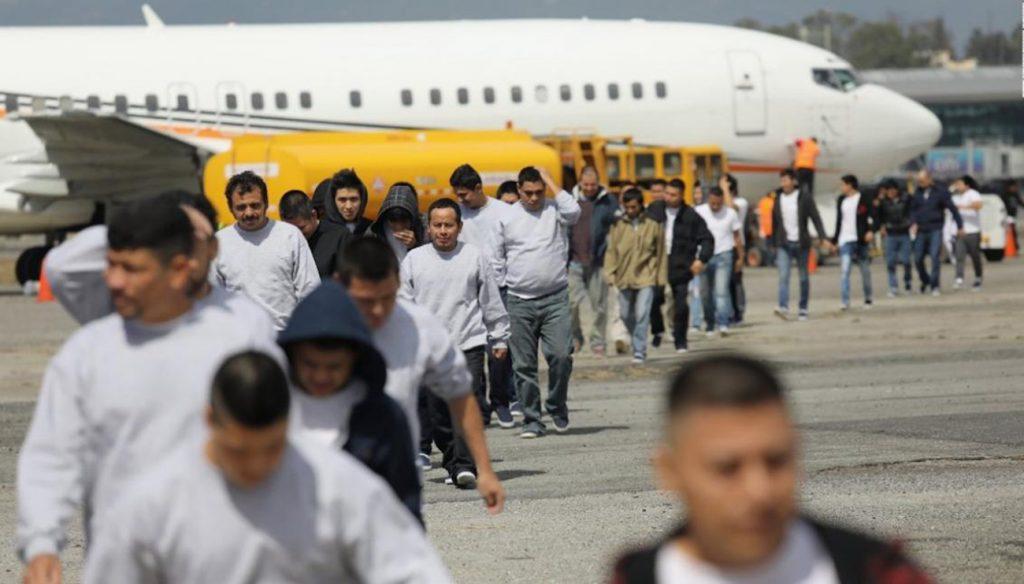 Foto24 Imigrantes deportados EUA quer acelerar deportação de solicitantes de asilo na fronteira
