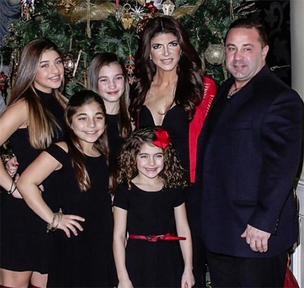 Foto25 Familia Giudice Filha de Joe Giudice pede a Trump para evitar a deportação do pai