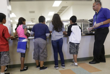 Imigrante adolescente morre sob a custódia do ICE