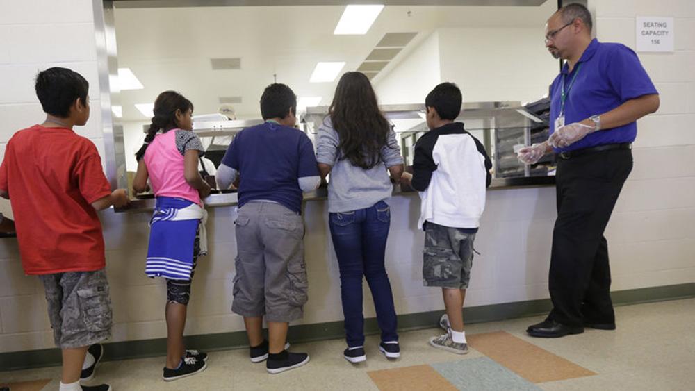 Foto15 Menores em abrigo Imigrante adolescente morre sob a custódia do ICE