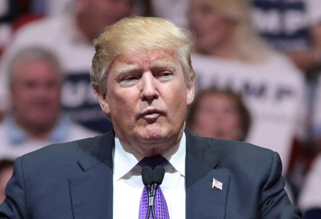 Foto18 Donald Trump 1 Trump exige que imigrantes legais reembolsem o governo por benefícios sociais