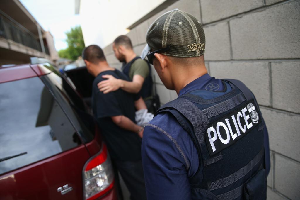 Foto23 Prisao ICE Uma vez protegidos, imigrantes cubanos são deportados dos EUA