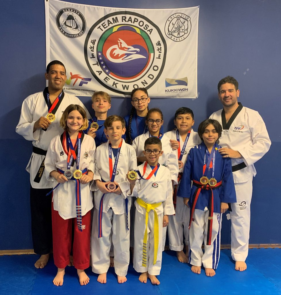 Foto29 Team Raposa144 Equipe de tae kwon do brasileira conquista campeonato estadual de NJ
