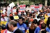 População dos subúrbios de NY se opõe à carteira de motorista para indocumentados