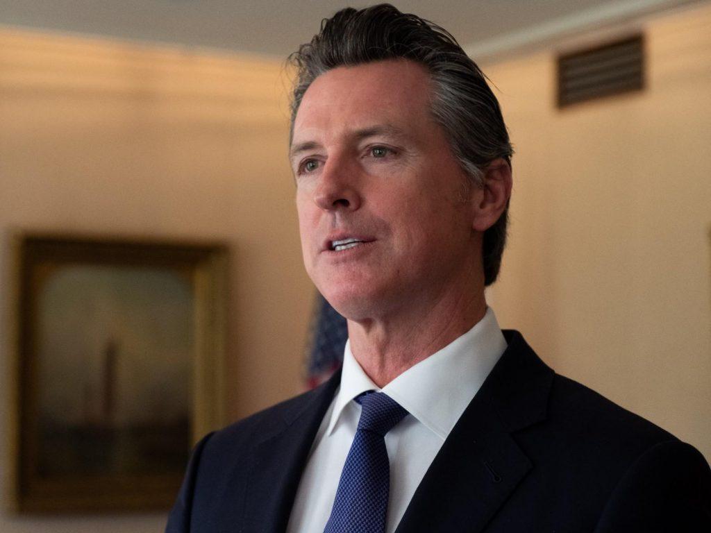 Foto25 Gavin Newsom Califórnia dará cobertura de saúde a indocumentados abaixo de 26 anos