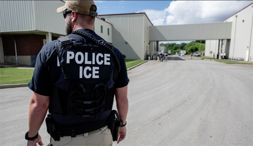 Foto11 Arrest ICE O que você precisa saber sobre as batidas do ICE no final de semana