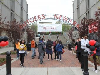 Foto19 Rutgers University Newark New Jersey liberou verba para 749 indocumentados cursarem a universidade