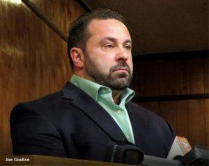 Foto11 Joe Giudice 300x239 Joe Giudice quer voltar à Itália durante processo de deportação