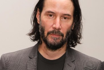 "Ator Keanu Reeves grava série ""Conquest"" da Netflix no Brasil"