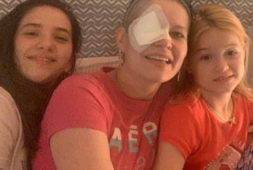 Brasileira luta contra câncer ocular na Califórnia