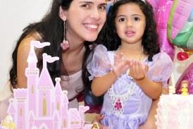 Foto2 Suelen e Valentina Caldeira 274x183 Home page