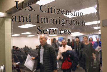 Governo cancela isenção de tarifas para imigrantes legais que recebem ajuda