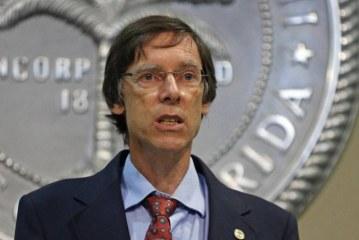 Polícia e autoridades eleitas terão que acatar pedidos do ICE na FL