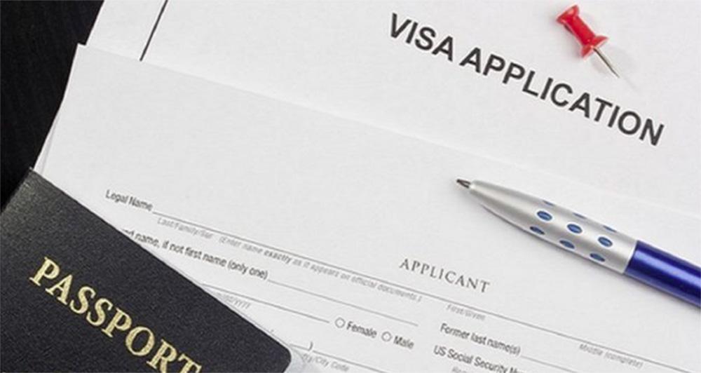 """Foto5 Social Security e Green Card """"Consultora"""" fraudou imigrantes que buscavam a legalização"""