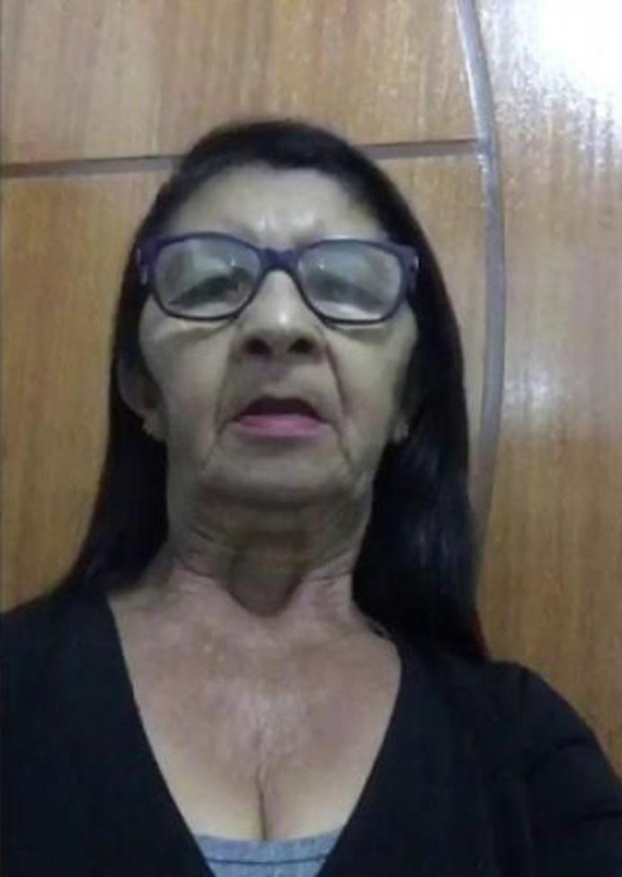 Foto1 Maria Avó visita netos após filha ter sido morta pelo marido brasileiro