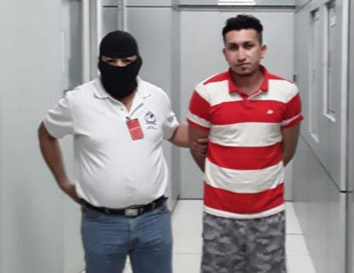 Foto17 Moises de Jesus Ruiz Mejia ICE deporta indocumentado procurado por homicídio