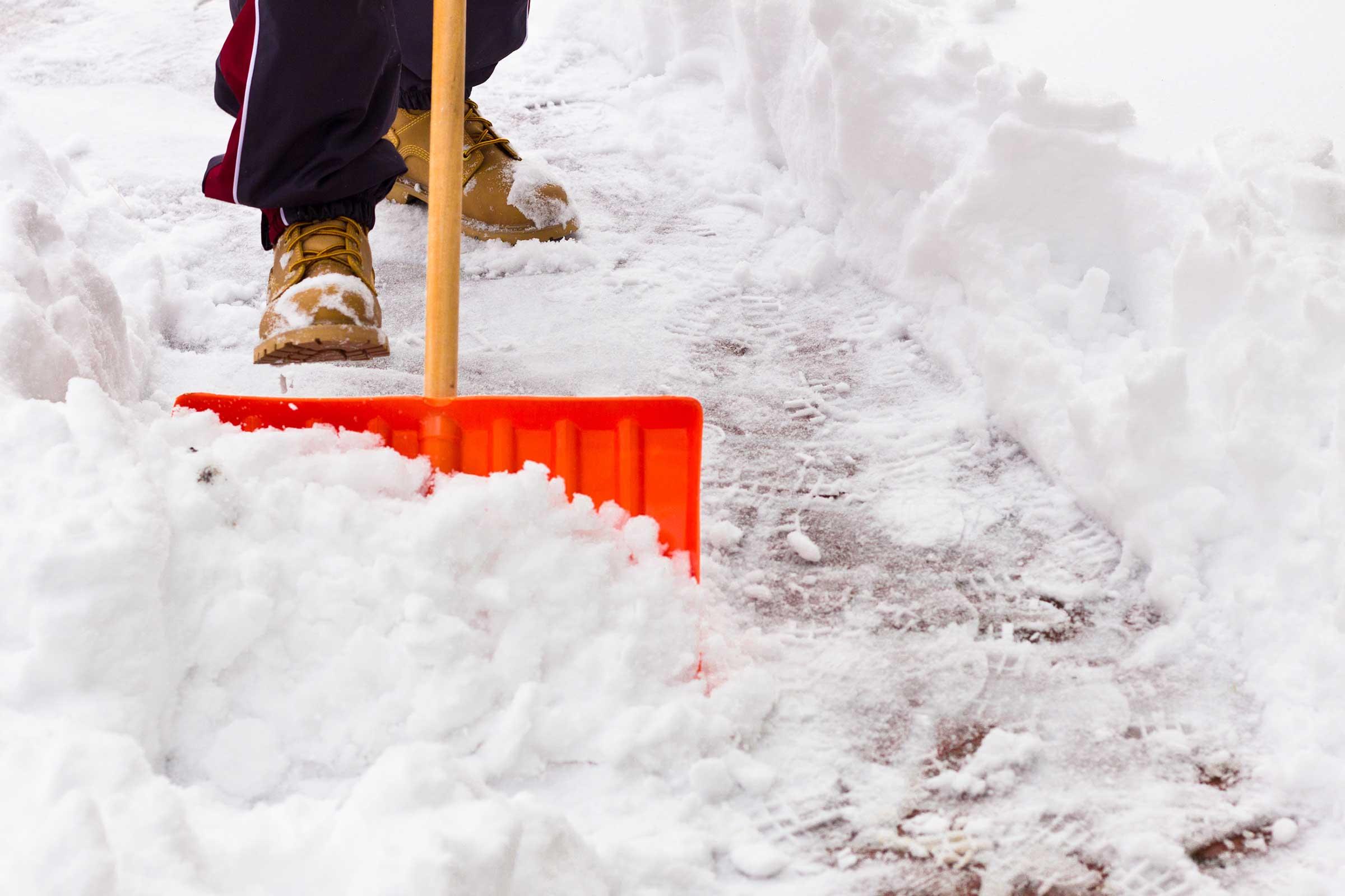 Foto21 Tirando neve Especialistas preveem queda de neve acima da média em NJ
