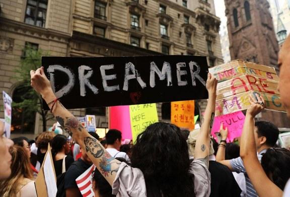 """Trump diz que """"pouparia"""" Dreamers se Corte Suprema anular o DACA"""
