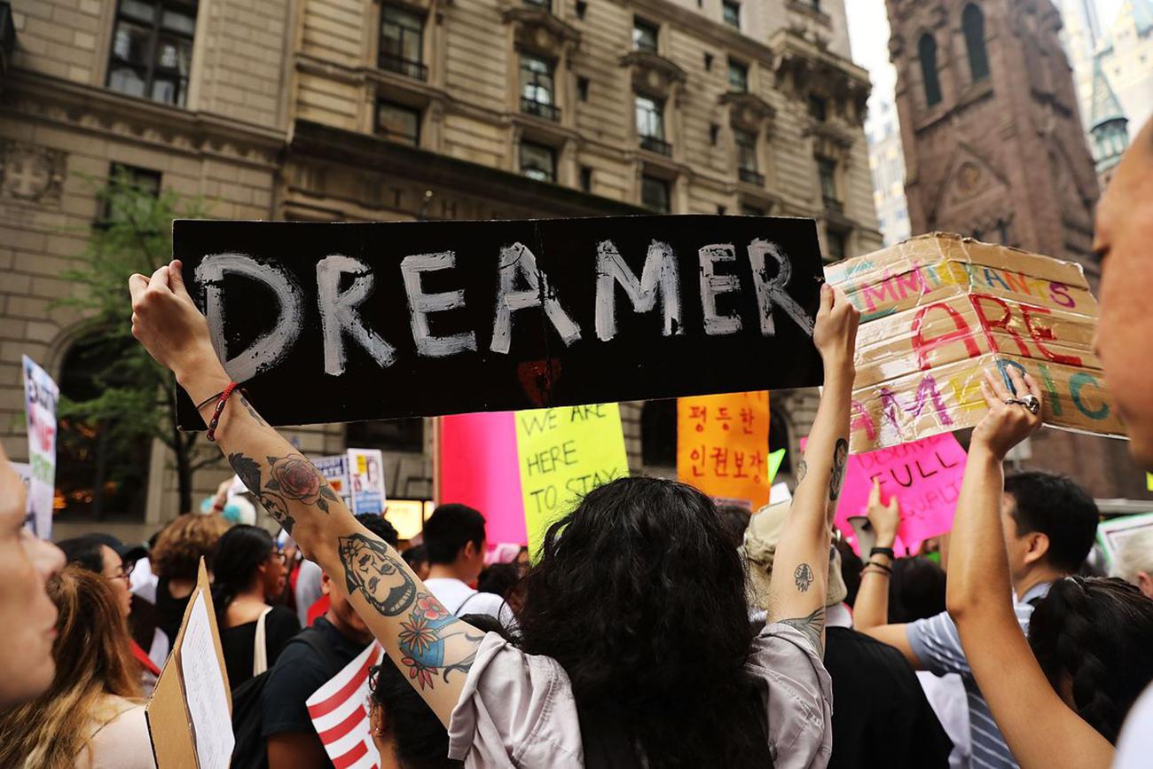 """Foto29 Dreamers  Trump diz que """"pouparia"""" Dreamers se Corte Suprema anular o DACA"""