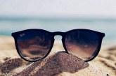 Praia de nudismo geriátrica