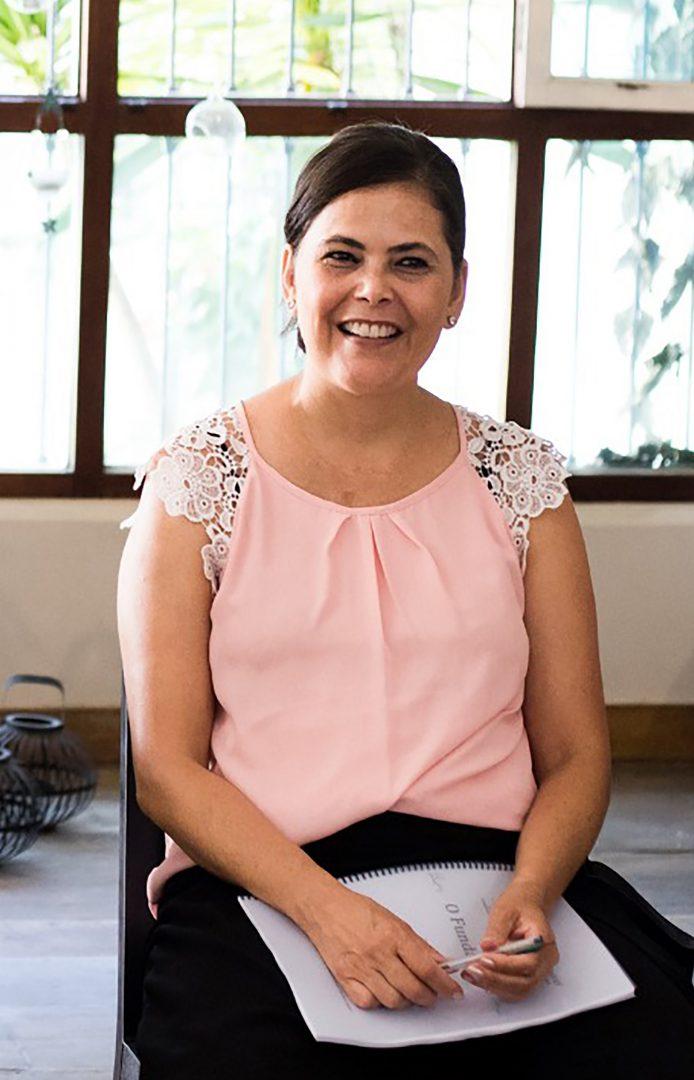 """Foto3 Claudia SantAna Psicóloga brasileira ministrará curso """"Barras de Acesso"""" em NJ"""
