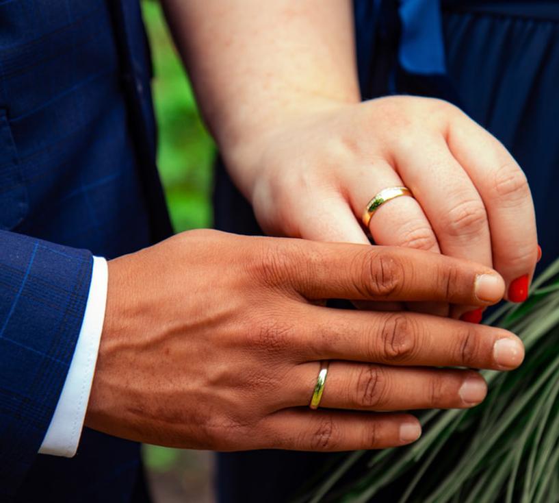 "Foto16 Casamento falso Americana assume ter casado para ""vender green card"""