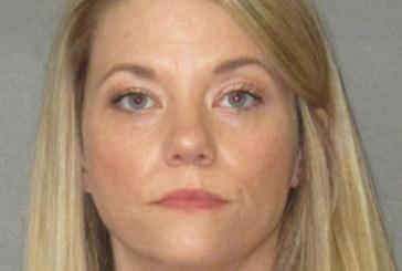 Professora é presa por fazer sexo com aluno de 15 anos