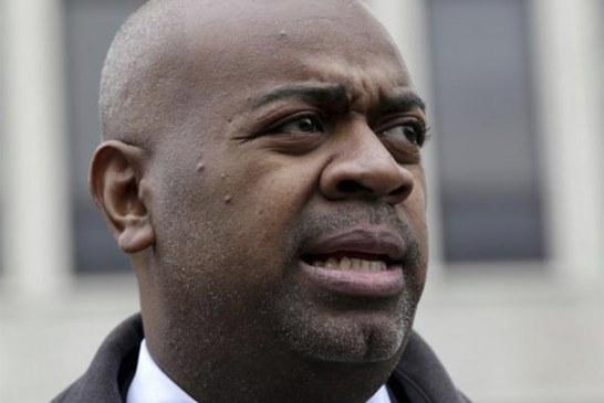 """Prefeito de Newark diz que plano de batidas do ICE """"incita o ódio"""""""