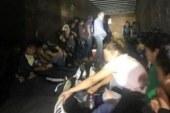 Patrulheiros encontram 90 imigrantes escondidos em caminhão no TX